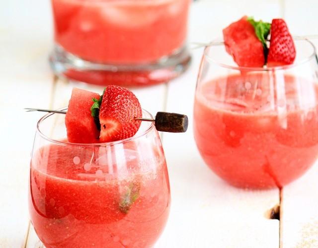 سرکه هندوانه به عنوان سس برای سالاد سبزیجات